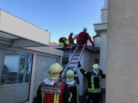 FW-GE: Schwerverletzte Person nach Arbeitsunfall in Gelsenkirchen Buer.
