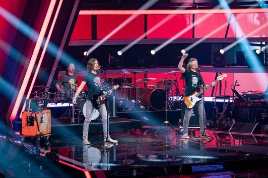 """Hey ho, let's go! Die Coaches Smudo & Michi Beck erleben die rockige Erlösung in den ersten Blind Auditions von """"The Voice Kids"""" 2021 – am Samstag um 20:15 Uhr in SAT.1"""