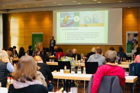 ZZF-Symposium: Gesunde Vögel, zufriedene Kunden