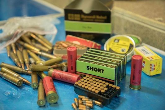 POL-AC: Verschärfung des Waffenrechts bei der Aufbewahrung von Schusswaffen; zeitlich befristete Straffreiheit bei der Abgabe illegaler Waffen