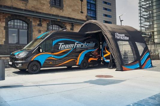 """Spielfreude ohne Grenzen – Team Fordzilla unterwegs mit barrierefreiem """"Gaming Transit"""""""