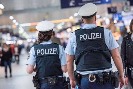 BPOL NRW: Ausreißeralarm! Bundespolizei nimmt acht Minderjährige in Gewahrsam