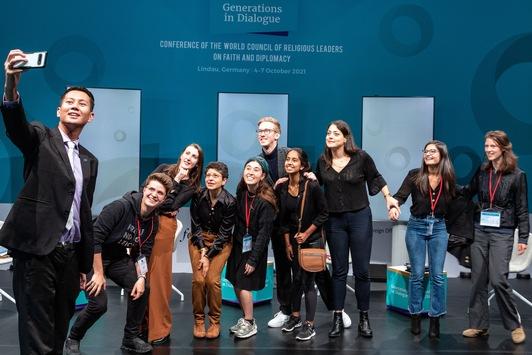 Internationale Konferenz der Religionsführerinnen und Religionsführer in Lindau beendet / Junge Generation: Gebt uns einen Platz am Tisch