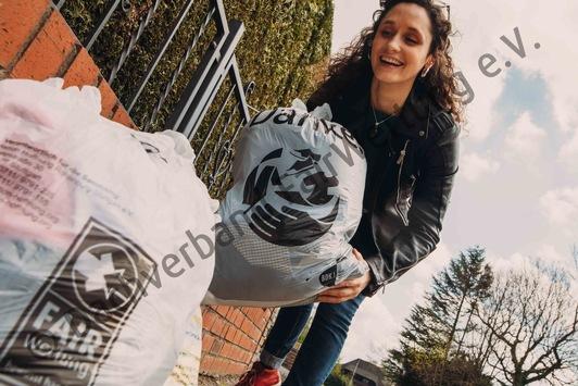 Textilien spenden statt vernichten! / Netzwerk FairWertung bereit Textilien zu retten