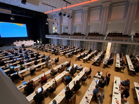 Politische Verantwortung für Musikschulen / Verband deutscher Musikschulen stellt Forderungen an die Politik zu Digitalisierung und Personalentwicklung an den öffentlichen Musikschulen