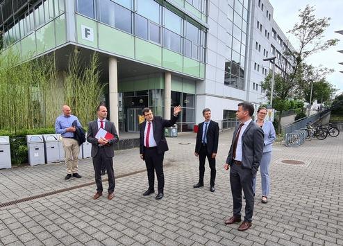 Wissenschaftsminister Clemens Hoch besucht die zukünftig neue Universität in Koblenz
