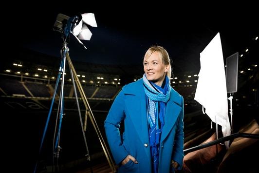 """Pionierin auf dem Platz: """"Her Story"""" mit Bibiana Steinhaus ab 8. März exklusiv auf Sky"""