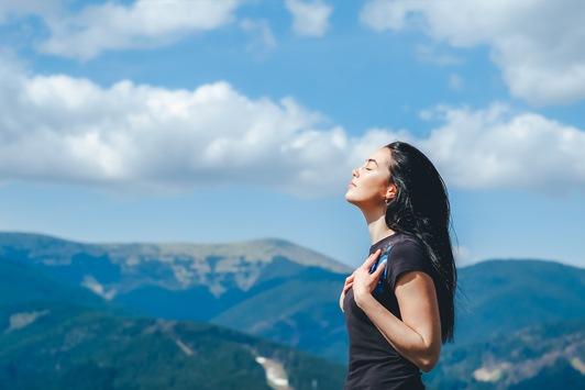 Einfache Atemübung lindert oder beseitigt schnell und effektiv Schmerzen jeglicher Art