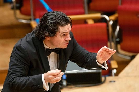 Mozart, Mendelssohn und Barber: Konzert mit Pinchas Zukerman und Cristian Macelaru in 3sat