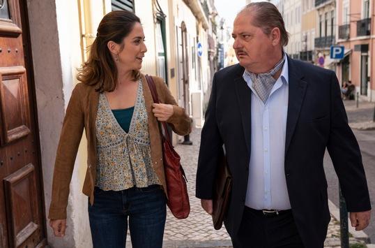 """Das Erste / """"Der Lissabon-Krimi"""": Jürgen Tarrach und Vidina Popov zwischen Verbrechen, Melancholie und Fado in zwei neuen Filmen am 19. und 26. November 2020"""