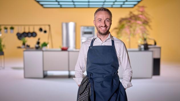 """Neue Show mit Jan Böhmermann: """"Böhmi brutzelt"""" in ZDFmediathek und ZDFneo"""