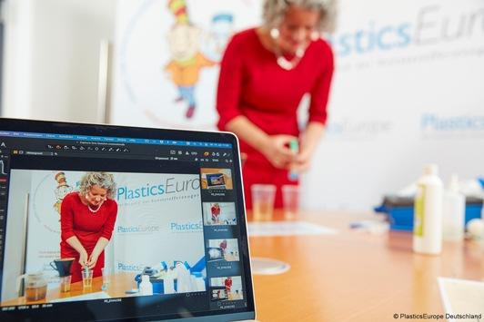 Kunststofferzeuger im Einsatz für beste MINT-Bildung – Digitales Angebot zu Kunos coole Kunststoff-Kiste
