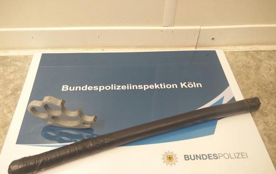 BPOL NRW: Bundespolizei beschlagnahmt Schlagring und Totschläger