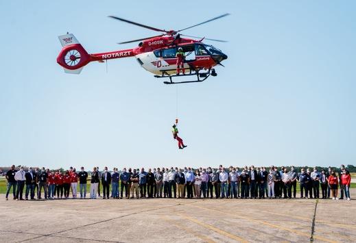Erfolgreiches erstes Windensymposium der DRF Luftrettung / Expertenaustausch führt zu mehr Sicherheit im Windenbetrieb