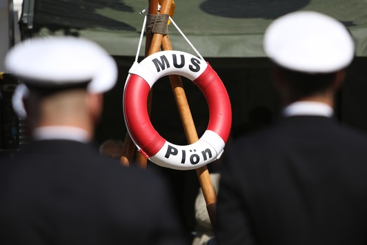 Bundesministerin der Verteidigung auf Stippvisite: Marineunteroffizierschule informiert über Ausbildung und Infrastrukturmaßnahmen