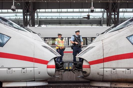 BPOL NRW: Jugendliche Gepäckdiebe im IC unterwegs- Festnahme durch Bundespolizei im Kölner Hauptbahnhof