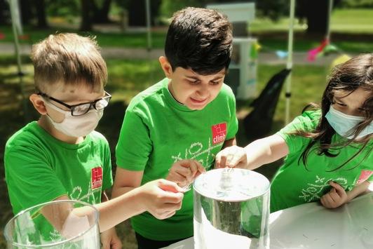 Auridis Stiftung stärkt Hilfsangebote für Kinder und Jugendliche
