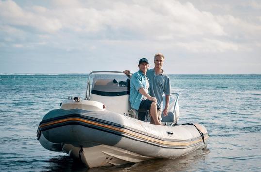 """Das Erste / """"Retter der Meere: Tödliche Strandung"""" / Pilot zur neuen Ökothriller-Reihe mit Hannes Jaenicke und Daniel Roesner in den Hauptrollen"""