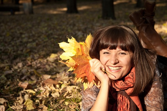 Herbstmüdigkeit adé! / Mit dem Drei-Stufen-Plan zu mehr Energie - Im Interview mit Dr. Jutta Doebel