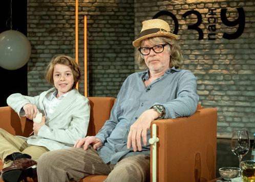 Premiere bei 3nach9: Helge Schneider erstmals gemeinsam mit Sohn Charlie in Talkshow
