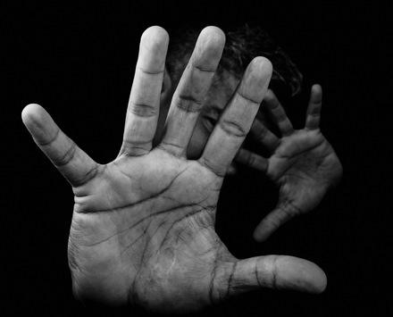 Qualitätsstandards für Männer*schutzeinrichtungen veröffentlicht / Deutschlandweit erste Orientierungshilfe für die Beratung und Betreuung in Männer*schutzwohnungen