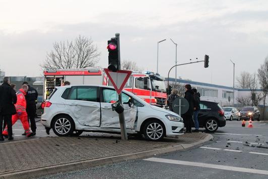 POL-AC: Zwei Verletzte nach Unfall