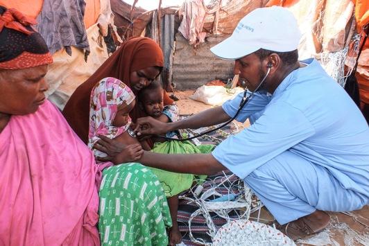 Wenn Helfen zur tödlichen Gefahr wird / SOS-Kinderdörfer zum Tag der humanitären Hilfe am 19. August: Nationale Mitarbeiter besonders betroffen