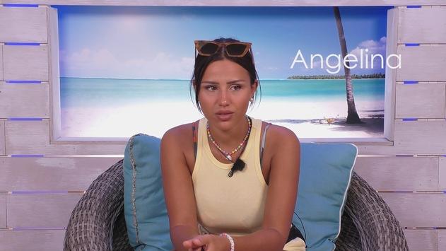 """Angelina steht auf Robin: / Couplecrash auf """"Love Island""""?"""