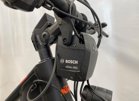 ABS mit Überschlagschutz vermeidet Pedelec-Unfälle / Drei Systeme auf dem Markt – ADAC hat Bosch System getestet