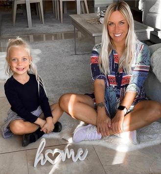 """Familienleben Online / Influencerin Julia Holz zählt zu den Top 50 """"Mama-Bloggern"""" in Deutschland"""