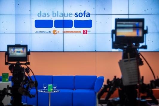 Trotz Absage der Leipziger Buchmesse: ZDF und 3sat mit Blauem Sofa vor Ort