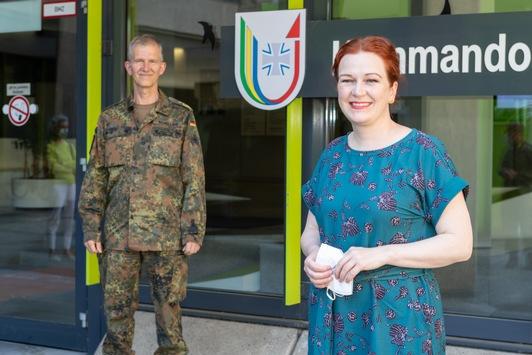 Informationsbesuch auf der Hardthöhe: / Die Oberbürgermeisterin der Stadt Bonn, Katja Dörner, zu Gast beim Nationalen Territorialen Befehlshaber und Inspekteur Streitkräftebasis