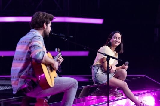 """Love Is in the Air! Alvaro Soler gesteht bei """"The Voice Kids"""": """"Ich bin ein bisschen verliebt"""" – am Samstag um 20:15 Uhr in SAT.1"""