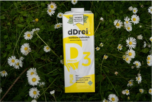 Durchbruch: Neuartige dDrei-Milch enthält als erste Milch auf natürliche Weise hohe Mengen an Vitamin D / Patentgeschützte Methode / Bis zu 20-mal mehr Sonnenvitamin in dDrei-Milch