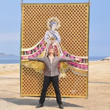 Saxo Bank of Art Collection! www.saxobankofart.com / 1,2 Mio Euro Value Artwork- Queen Elizabeth Perfume Artwork! / Ein Kunstwerk reist um die Welt