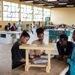 Helvetas forme également des charpentiers à Bahir, en Ethiopie. Texte complémentaire par ots et sur ...